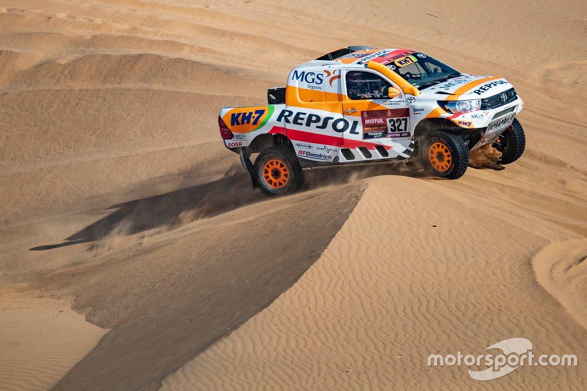 #327 Repsol Rally Team Toyota: Pujol Isidre Esteve, Txema Villalobos