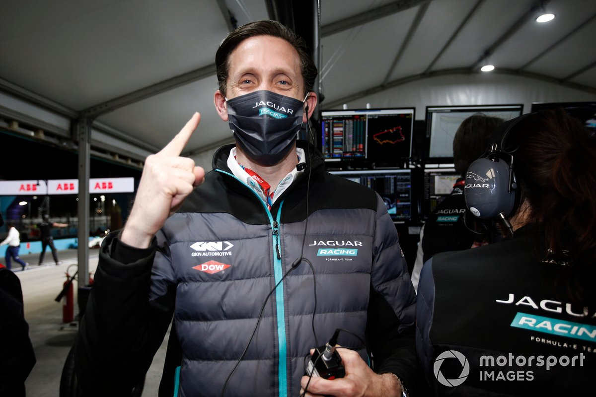 James Barclay, director de Panasonic Jaguar Racing, celebra la victoria