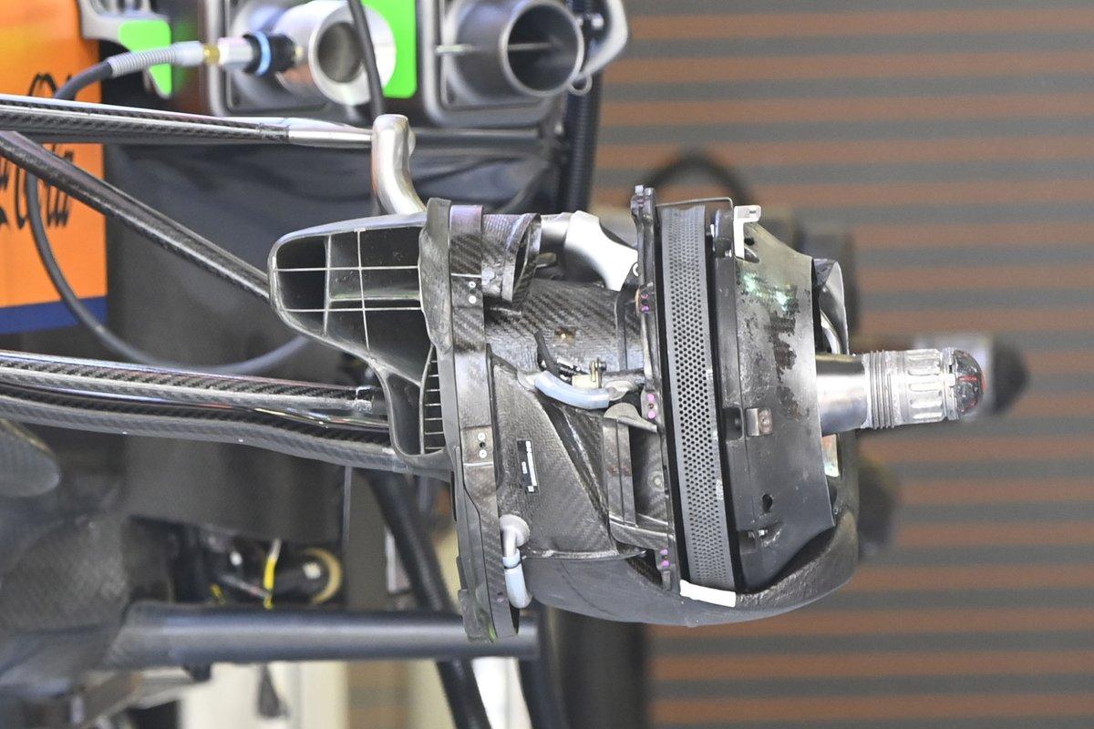 McLaren MCL35M: Vorderachs-Bremsschacht und Bremsscheibe