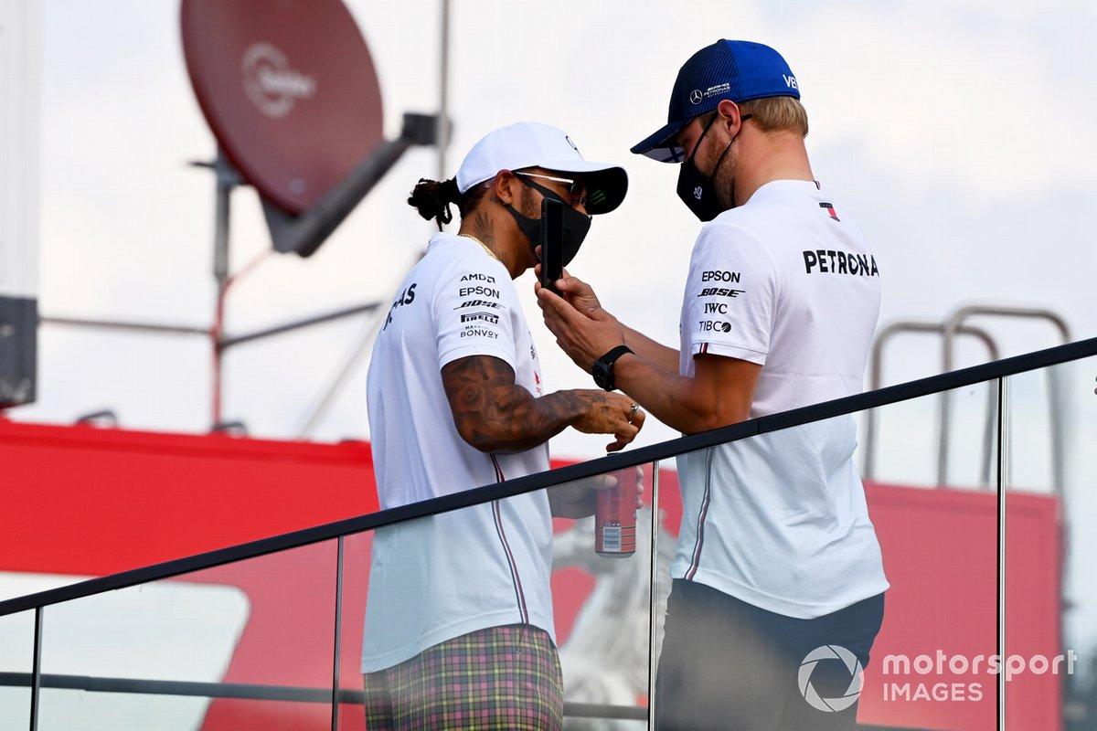 Lewis Hamilton, Mercedes-AMG F1 y Valtteri Bottas, Mercedes-AMG F1