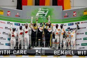 Podio: #99 Rowe Racing BMW M6 GT3: Alexander Sims, Nicky Catsburg, Nick Yelloly, #3 Audi Sport Team Car Collection Audi R8 LMS GT3: Mirko Bortolotti, Markus Winkelhock, #42 BMW Team Schnitzer BMW M6 GT3: Augusto Farfus, Jens Klingmann, Martin Tomczyk, Sheldon van der Linde