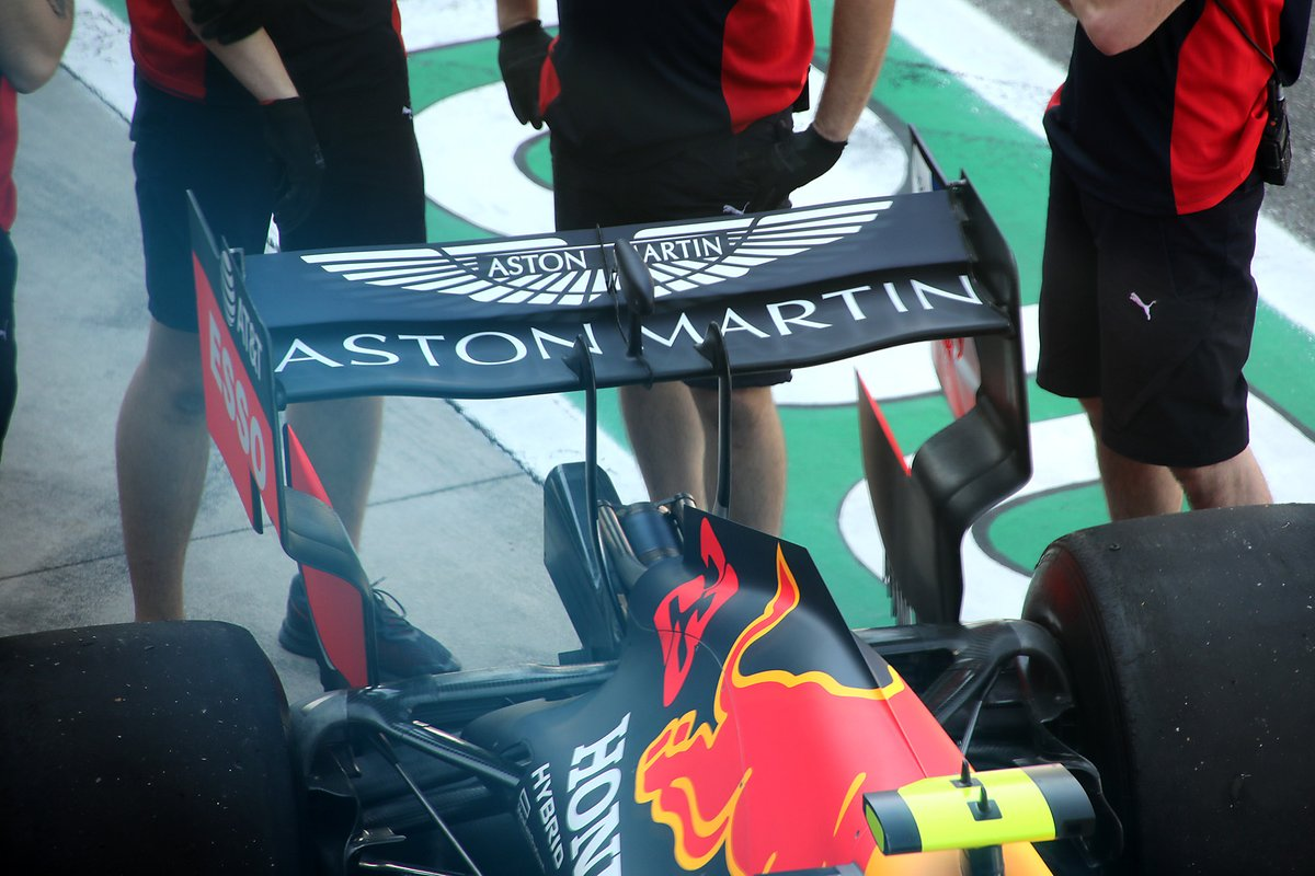 Red Bull Racing RB16 arka