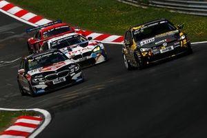 #488 BMW 330i: Rasmus Helmich, Reinhard Schmiedel, Luis Ramirez, Jan Jaap van Roon