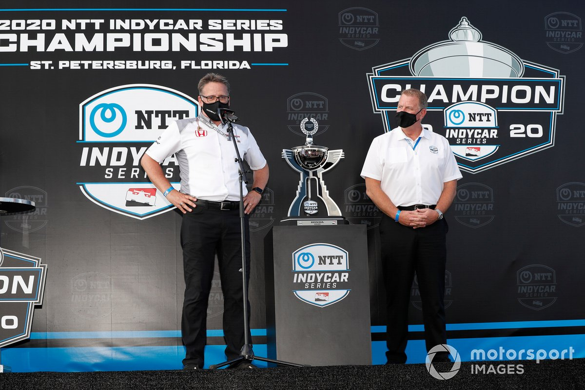 Jay Frye y el ganador del Campeonato de Fabricantes Ted Klaus de Honda HPD