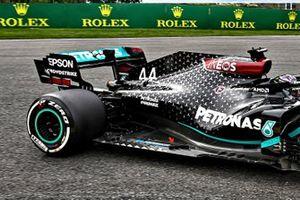 Detalle del piso del Mercedes F1 W11