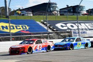 Darrell Wallace Jr., Richard Petty Motorsports, Chevrolet Camaro Door Dash, Chris Buescher, Roush Fenway Racing, Ford Mustang Fifth Third Bank