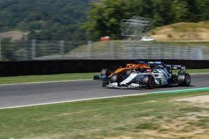 Pierre Gasly, AlphaTauri AT01, Carlos Sainz Jr., McLaren MCL35