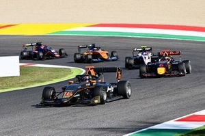 Jack Doohan, HWA Racelab leads Dennis Hauger, Hitech Grand Prix