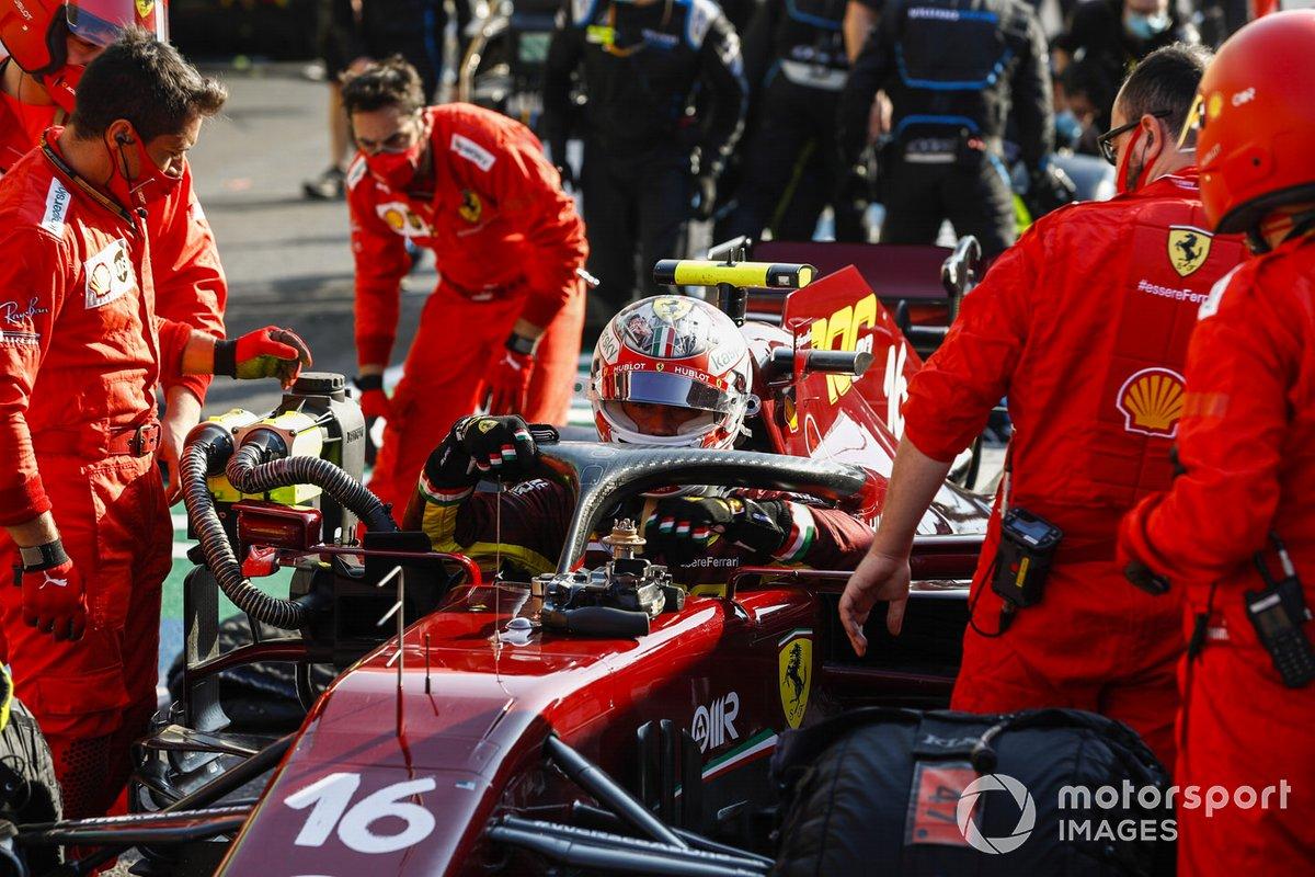Charles Leclerc, Ferrari, en pits