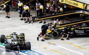 Esteban Ocon, Renault F1 Team R.S.20, Daniel Ricciardo, Renault F1 Team R.S.20