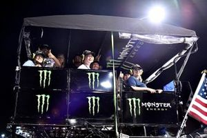Kurt Busch, Chip Ganassi Racing, Chevrolet Camaro Chevrolet Accessories Monster Energy guests