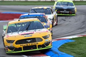 Clint Bowyer, Stewart-Haas Racing, Ford Mustang Rush / Cummins, Ricky Stenhouse Jr., Roush Fenway Racing, Ford Mustang SunnyD