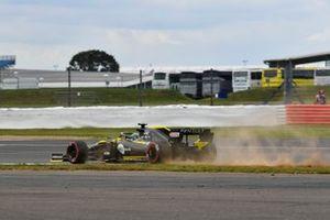 Daniel Ricciardo, Renault F1 Team R.S.19, se sale durante los libres