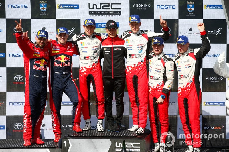 Podio: il vincitore Ott Tänak, Martin Järveoja, Toyota Gazoo Racing WRT Toyota Yaris WRC, il secondo classificato Esapekka Lappi, Janne Ferm, Citroën World Rally Team Citroen C3 WRC, il terzo classificato Jari-Matti Latvala, Miikka Anttila, Toyota Gazoo Racing WRT Toyota Yaris WRC