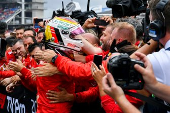Sebastian Vettel, Ferrari celebrates in Parc Ferme with his team