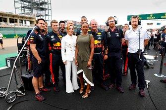 Geri Horner, Melanie Brown and Red Bull Mechanics