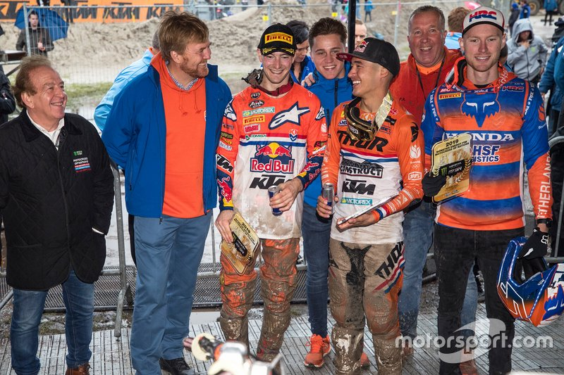 Willem-Alexander, re dei Paesi Bassi, incontra Calvin Vlaanderen, Jeffrey Herlings e Glenn Coldenhoff del TeamNL