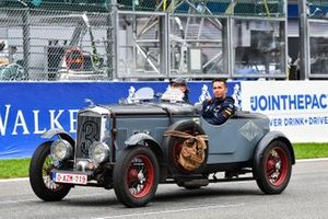 Alex Albon, Red Bull Racing, on the drivers parade