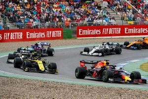 Max Verstappen, Red Bull Racing RB15, leads Nico Hulkenberg, Renault F1 Team R.S. 19, Valtteri Bottas, Mercedes AMG W10, Alexander Albon, Toro Rosso STR14, Lewis Hamilton, Mercedes AMG F1 W10, and Carlos Sainz Jr., McLaren MCL34