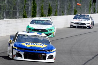 Chase Elliott, Hendrick Motorsports, Chevrolet Camaro NAPA AUTO PARTS, Ryan Blaney, Team Penske, Ford Mustang MoneyLion