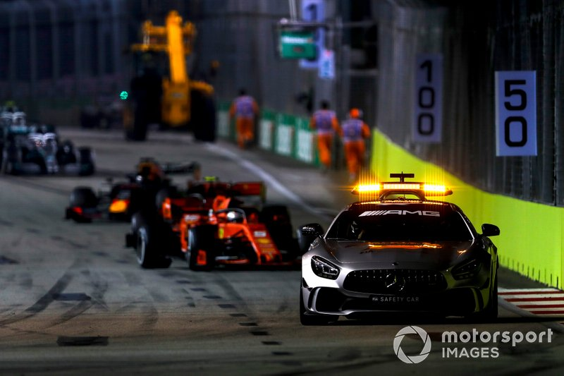 Safety Car davanti a Sebastian Vettel, Ferrari SF90