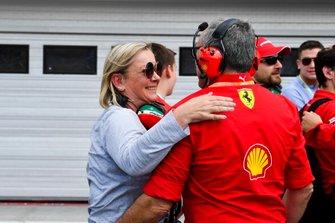Sabine Keme celebrating the F2 win of Mick Schumacher