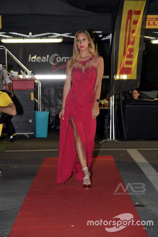 Alessia Dones, con abito di Giulia Bechi