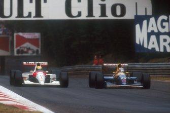 Nigel Mansell, Williams FW14 Renault adelanta a Ayrton Senna, McLaren MP4/6 Honda