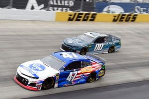 Ryan Preece, JTG Daugherty Racing, Chevrolet Camaro Kroger, Landon Cassill, StarCom Racing, Chevrolet Camaro Clean Origin