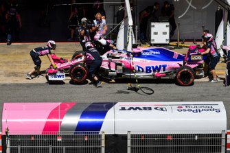 Sergio Perez, Racing Point RP19, in the pits during practice