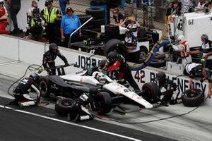 Jordan King, Rahal Letterman Lanigan Racing Honda, pit stop