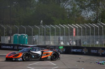 #76 Compass Racing McLaren 720S GT3, GTD: Paul Holton, Matt Plumb, Crash