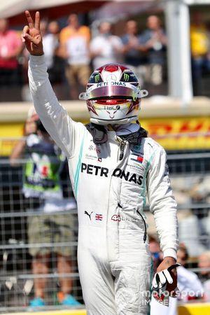 Lewis Hamilton, Mercedes AMG F1, viert de pole na de kwalificatie