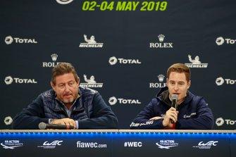 Gérard Neveu, CEO FIA WEC e Stoffel Vandoorne, durante la conferenza stampa