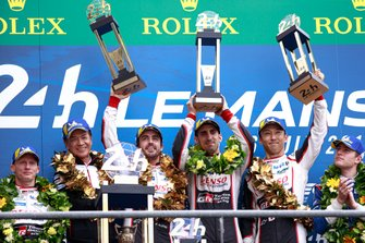 Podium: Winner #8 Toyota Gazoo Racing Toyota TS050: Sébastien Buemi, Kazuki Nakajima, Fernando Alonso