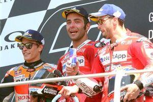 Подиум: победитель Данило Петруччи, Ducati Team, второе место – Марк Маркес, Repsol Honda Team, третье место – Андреа Довициозо, Ducati Team