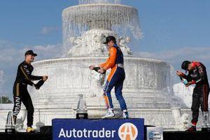Marcus Ericsson, Arrow Schmidt Peterson Motorsports Honda, Scott Dixon, Chip Ganassi Racing Honda, Will Power, Team Penske Chevrolet, podio, champagne