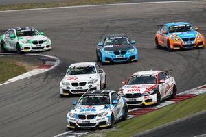 #652 BMW M240i Racing Cup: Ben Bünnagel, Francesco Merlini, Marcel Lenerz