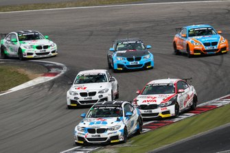 #652 BMW M240i Racing Cup: Ben Bünnagel, Francesco Merlini, Marcel Lenerz