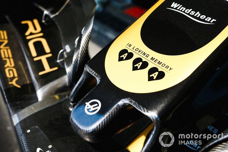 Un homenaje a los hijos del propietario de Jack & Jones, Anders Holch Povlsen, que murieron en los atentados con bombas en el hotel de Sri Lanka en el morro del coche del equipo de Haas F1 VF-19
