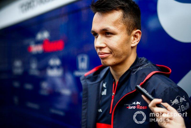 Alexander Albon, Toro Rosso parla con i media