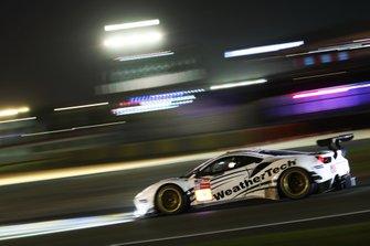 #62 Weathertech Racing, Ferrari 488 GTE: Cooper MacNeil, Toni Vilander, Robert Smith