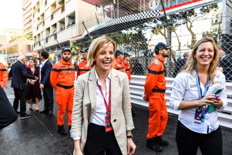 Susie Wolff, directora de Venturi Formula E celebra un podio en parc ferme