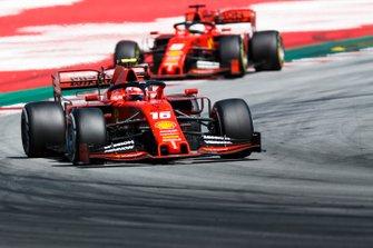 cCharles Leclerc, Ferrari SF90, leads Sebastian Vettel, Ferrari SF90