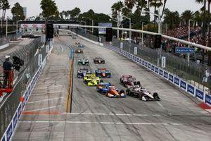 Josef Newgarden, Team Penske Chevrolet, Scott Dixon, Chip Ganassi Racing Honda, Simon Pagenaud, Team Penske Chevrolet, Helio Castroneves, Meyer Shank Racing Honda, start