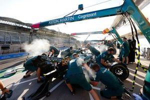 Aston Martin AMR21 pit stop practice
