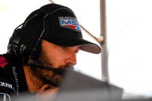 Helio Castroneves, Meyer Shank Racing Honda crewman