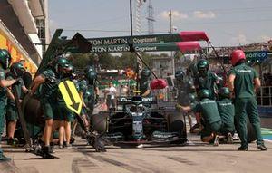 Sebastian Vettel, Aston Martin AMR21, in the pits during practice