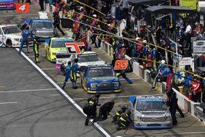 Johnny Sauter, ThorSport Racing, Toyota Tundra Tenda, Todd Gilliland, Front Row Motorsports, Ford F-150 Speedco