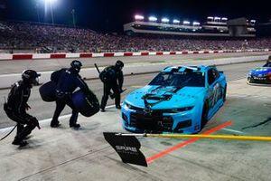 Justin Haley, Spire Motorsports, Chevrolet Camaro Shavelogic pit stop